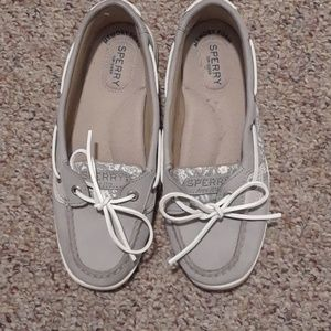 GUC SPERRY TOPSIDERS SIZE 7